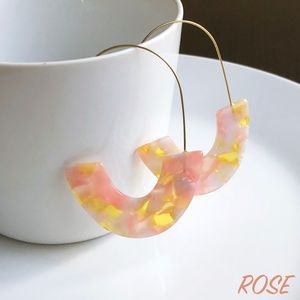 "Jewelry - NEW ""Azalea"" U Acrylic Earrings (rose)"